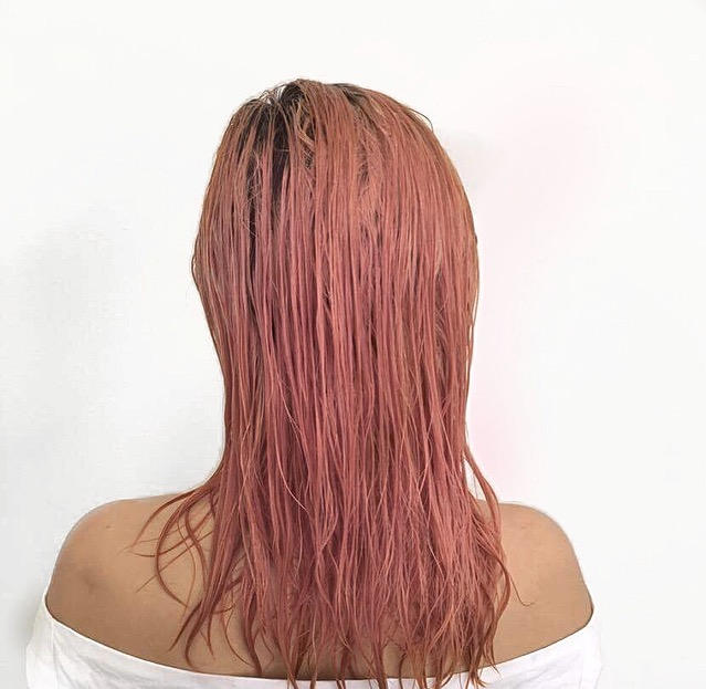 boho, boho hair, beach hair, beach waves, bohemian, hair Inspo, pink hair, coloured hair Inspo, gypsy hair